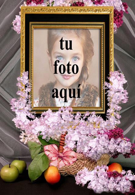 Marco De Madera Con Oro Y Un Conjunto De Flores Foto Marcos - Marco De Madera Con Oro Y Un Conjunto De Flores Foto Marcos