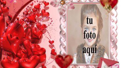 Photo of marco rosa con muchos corazones rojos foto marcos
