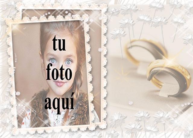 marco de fotos de boda con pequeñas rosas blancas y anillos dorados - marco de fotos de boda con pequeñas rosas blancas y anillos dorados