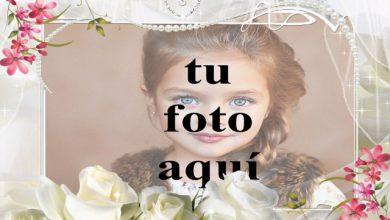 Photo of marco de fotos blanco con flor blanca romántica